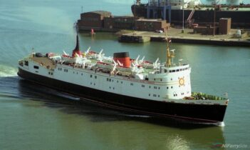 LADY OF MAN seen in Belfast on September 13th, 1996. Copyright © Alan Geddes