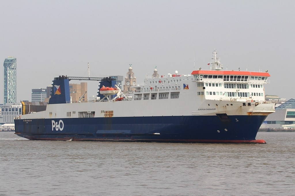 P&O Ferries Spanish-built Ro-Pax EUROPEAN ENDEAVOUR crosses the Mersey towards Cammell Laird Birkenhead for dry-docking on Easter Monday 2019. Copyright © Das Boot 160 Photography.