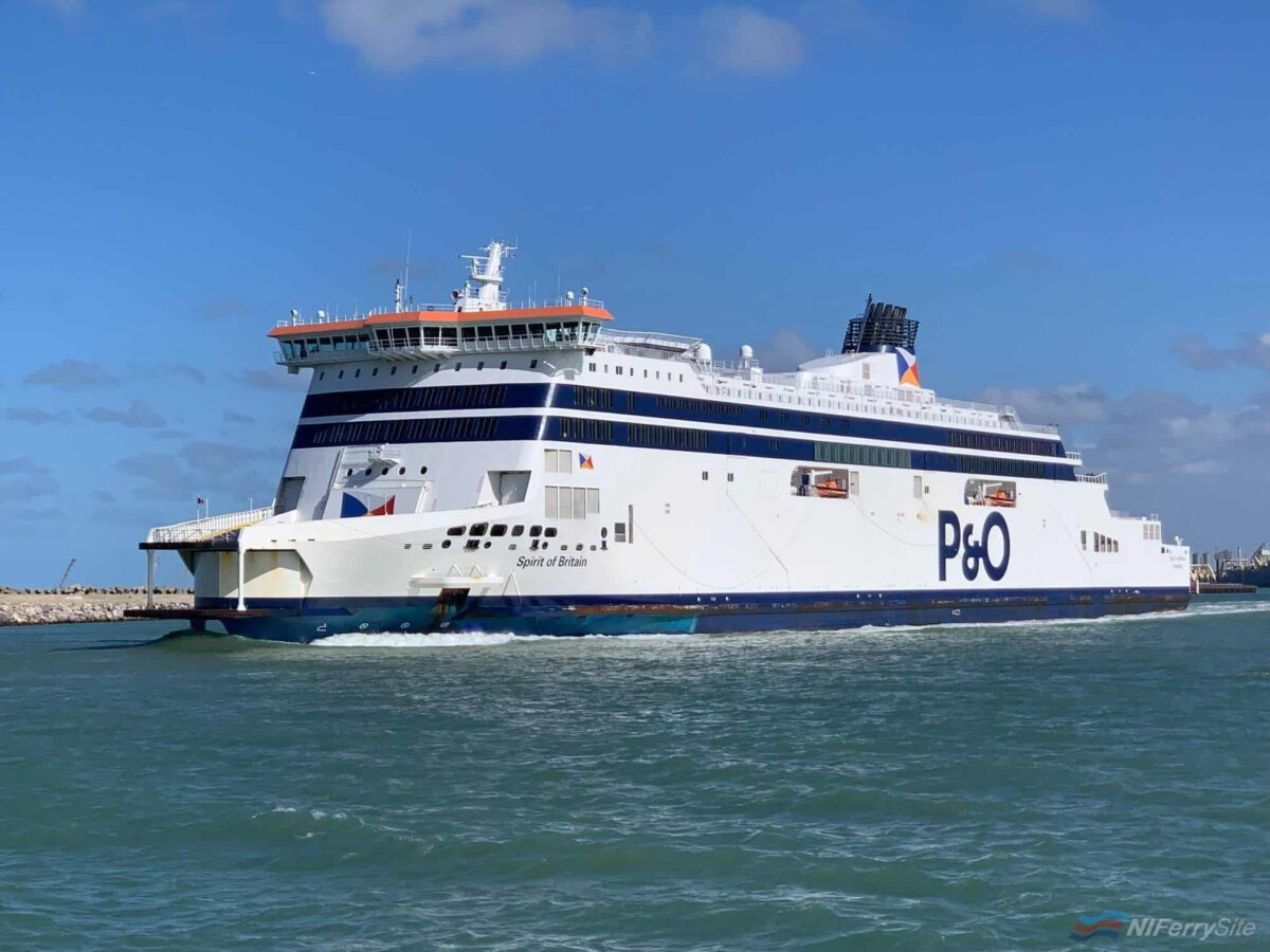 P&O Ferries' SPIRIT OF BRITAIN. Copyright © Gary Andrews.