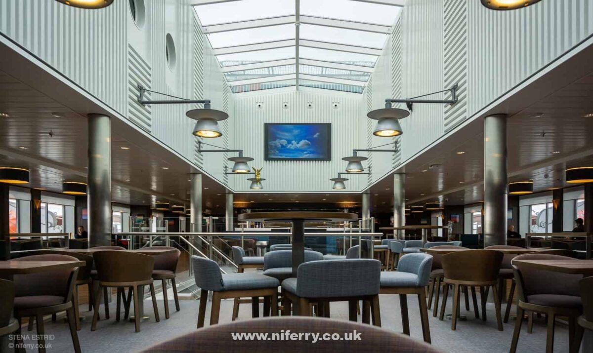 The large atrium Sky Bar, Deck 8, midships. © NIferry.co.uk.