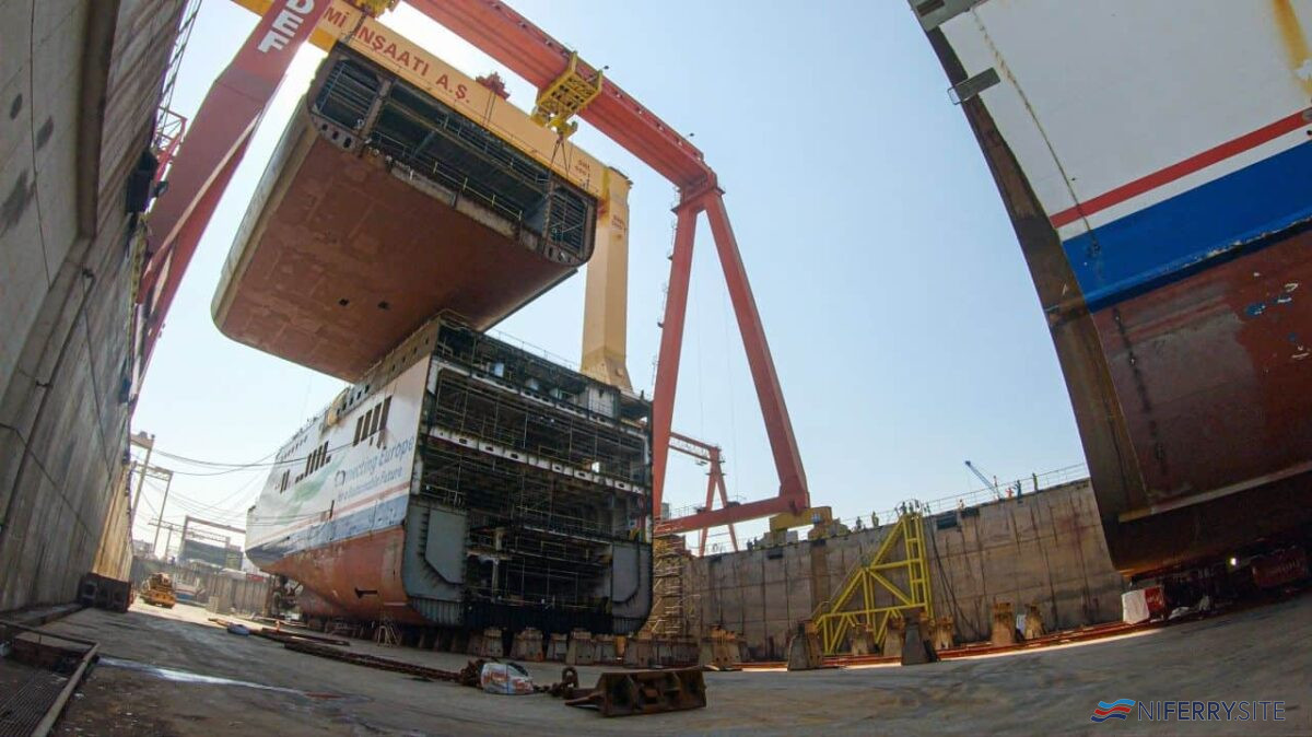 The first part of SEDEF new build number 207, a new 36m section for STENA LAGAN, is lifted into place. The 960 ton section is the heaviest ever lifted in Turkey according to the yard. Copyright © SEDEF Shipbuilding.